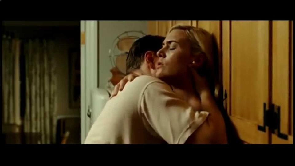Нарезка эротических моментов из фильмов.