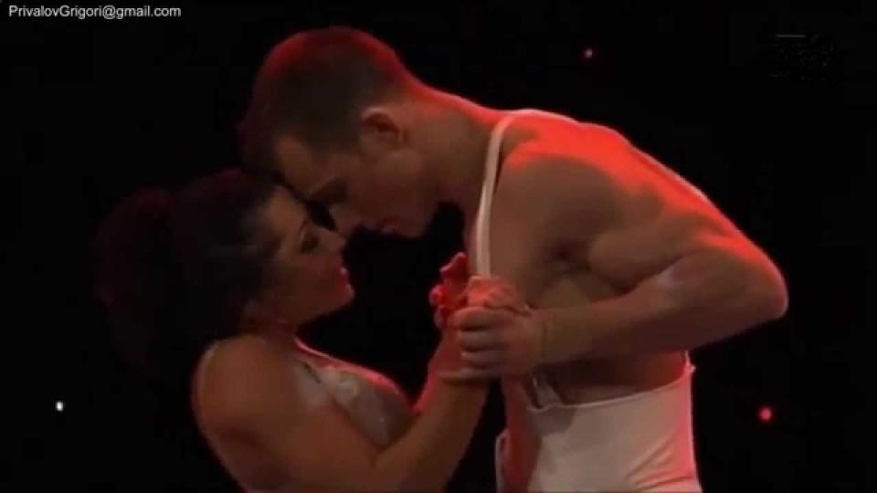 Красивый эротический танец. Смотреть всем.