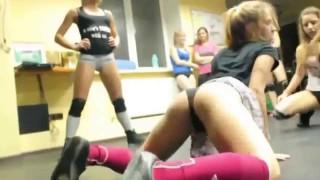 Девушки танцуют тверкинг. Красивое видео.