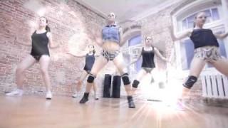 Эротический танец от классных девушек.